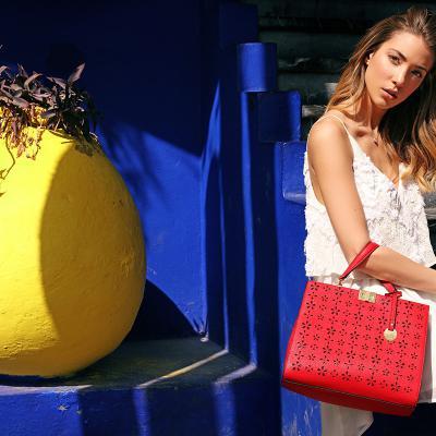 ABRIL2017 Alice Campello, protagonista de la nueva campaña de los bolsos Carpisa.