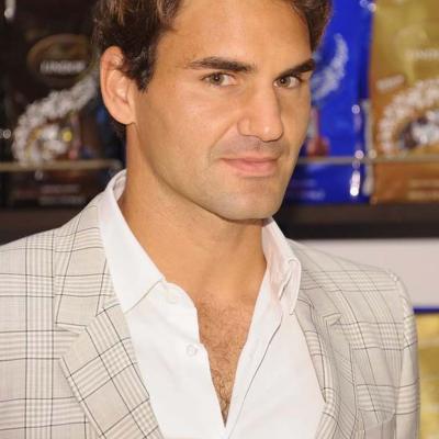 23AGOSTO2012 Roger Federer en Nueva York en la presentación del nuevo anuncio de la marca Lindt. Foto: Agencia.