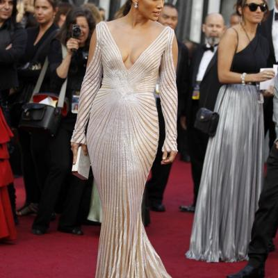 26FEBRERO2012 Alfombra roja de los Oscars de Hollywood 2012. Jennifer López. Foto: Agencia.