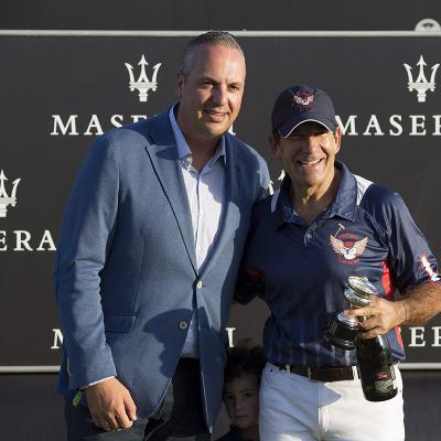 AGOSTO2016 Nieves Alvarez entregó la Copa de Bronce Maserati al equipo Dubai en el 45° Torneo Internacional de Polo de Sotogrande.