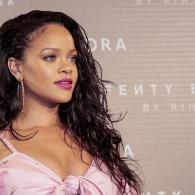 SEPTIEMBRE2017 Rihanna enseña su Fenty Beauty. Foto: Image.