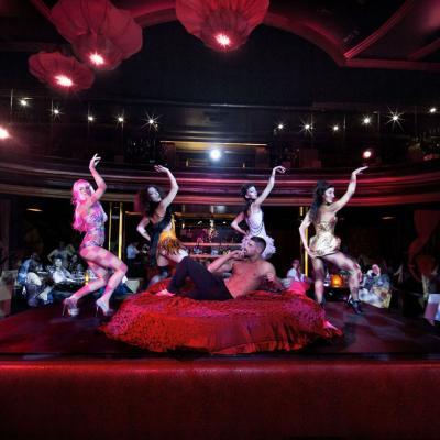 """15NOVIEMBRE2013 """"CIRCUS CABARET"""" en el Astoria. Foto: Jpescobar."""