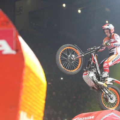 05FEBRERO2017 Trial Indoor Solo Moto en Barcelona celebrando los 40 años.Toni Bou en competición.