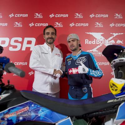 17JULIO2013 Dany Torres cruza la Puerta Grande de  Las Ventas de nuevo con CEPSA.