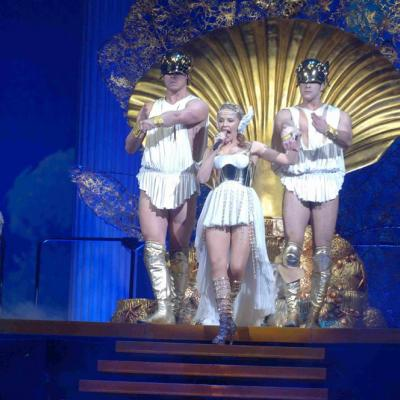12MARZO2011 Kylie Minogue durante su actuación en el Palau Sant Jordi de Barcelona, presentando su gira Aphrodite: Les Folies Tour 2011. Foto: David Oller.