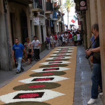 17JUNIO2012 Alfombra  floral en las calles de Sitges. Foto: Montse Carreño.