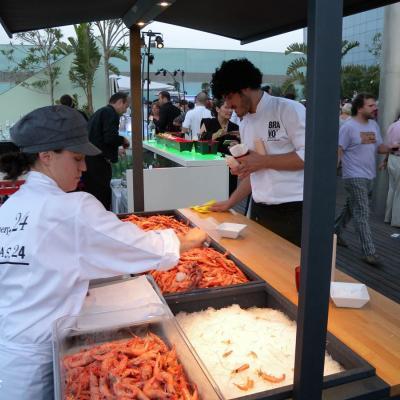 28JUNIO2012 Carles Abellán celebró una multitudinaria fiesta para celebrar la llegada del verano, e su restaurante Braco 24. Foto: Manel Martin.