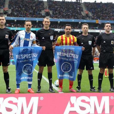 29MARZO2014 La campaña del 'Joc Net' en el Espanyol-Barça. Foto: FCF.