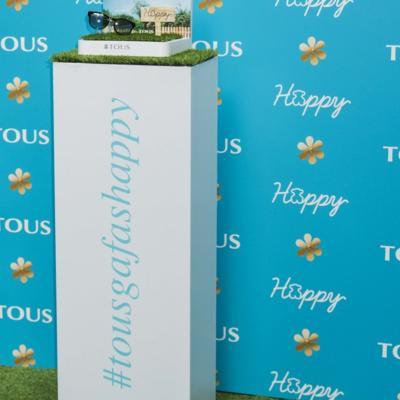 29ABRIL2016 Tous presenta sus nuevas gafas de sol, 'Happy'.