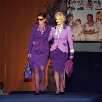 07ABRIL2011 La Fundación Catalana Síndrome de Down celebró, la novena edición de su desfile de Moda Solidaria.En la imagen izq a dcha. Jutta Jäger y Lluïsa Sallent Foto: Montse Carreño.