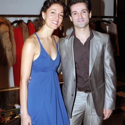 13SEPTIEMBRE2012 Gucci celebró la apertura de su boutique recién renovada en el centro de Barcelona con un exclusivo rincón del artesano. Ángel Corella y su hermana Carmen. Foto: Montse Carreño.