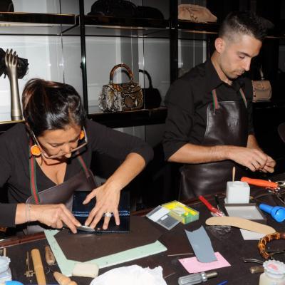 13SEPTIEMBRE2012 Gucci celebró la apertura de su boutique recién renovada en el centro de Barcelona con un exclusivo rincón del artesano. Foto: Montse Carreño.