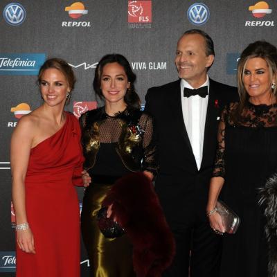 25NOVIEMBRE2013 Cuarto año en Barcelona de la Gala del Sida. Genoveva Casanova, Tamara Falcó, Miguel Bosé y Susana Urribarri. Foto: Montse Carreño.