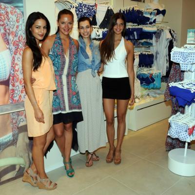 20JUNIO2013 Inauguración de la nueva Flagship Store de Yamamay, en Barcelona. Jana Perez, Mireia Verdú, Laura Sánchez e Inés Espuny. Foto: Montse Carreño.