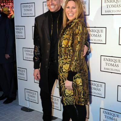 21NOVIEMBRE2012 Inauguración del macro establecimiento de los jamones Enrique Tomás. Tamara con su marido. Foto: Montse Carreño.