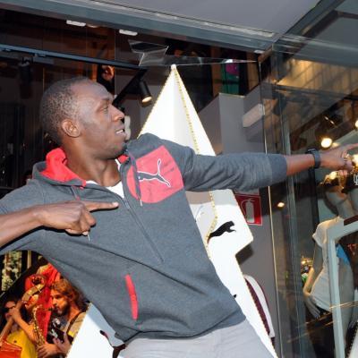 23NOVIEMBRE2012 Usain Bolt en la tienda Puma de Barcelona, para encender las luces del árbol de Navidad. Foto: Montse Carreño.
