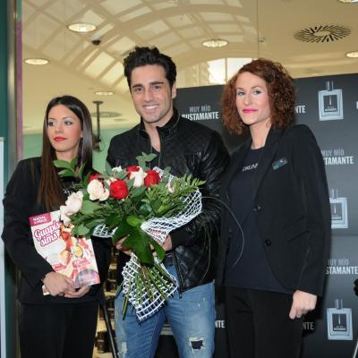"""20DICIEMBRE2012 David Bustamante en la firma de su nueva  colonia """"Muy Mío"""". Foto: Montse Carreño."""