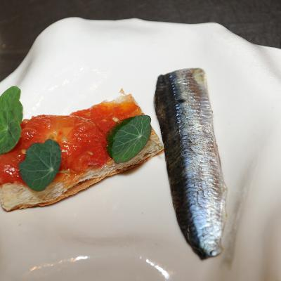 04SEPTIEMBRE2016 Food Explorers Barcelona Tast. Pan tomate con sardinas. Foto: Montse Carreño.