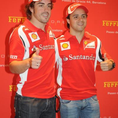 19MAYO2011 Inauguración de la primera Ferrari Store de España, concretamente en Barcelona, con la presencia de Fernando Alonso, Felipe Massa y Marc Gené. Foto: Montse Carreño.