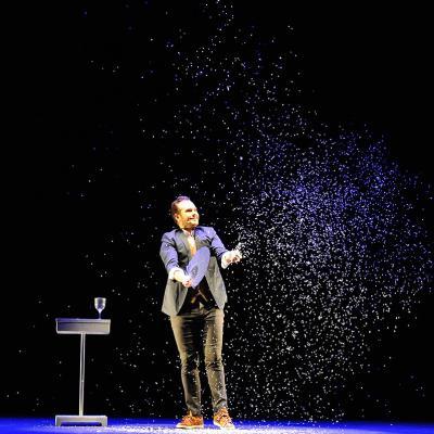 11SEPTIEMBRE2017 'Palabra de mago' de Jorge Blas en el Poliorama. Foto: Montse Carreño.