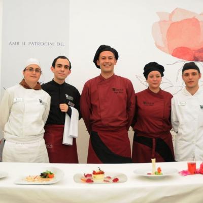06MAYO2012 Demostración Gastronómica coincidiendo con l concurso de Rosas Nuevas, en el Parque Cervantes. Foto: Montse Carreño.