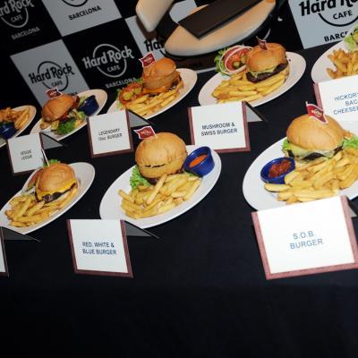 17ABRIL2013 Hard Rock Café ya tiene su hamburguesa Barcelona. Foto: Montse Carreño.