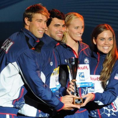 04AGOSTO2013 Clausura y medalla de plata de Mireia Belmonte. Mejor equipo de la competición EE.UU.Foto: Manel Martin.