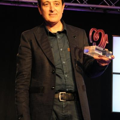 27MAYO2013 Premios Números 1 de Cadena 100. Manolo García con su premio. Foto: Manel Martin.