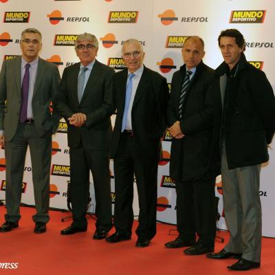 23ENERO2012 Entrega de los premios a los mejores deportistas españoles 2011. Daniel Sánchez Llibre junto a la directiva del R.C.D.Español.Foto: Manel Martin.