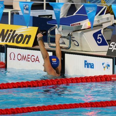 31JULIO2013 Sigue la natación en el Palau, pero el triunfo estuvo en el Moll de la Fusta, con el High Diving. Mercedes Peris semifinales 50 m. espalda. Foto: Manel Martin.
