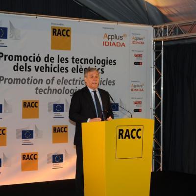 28FEBRERO2013 Presentación del nuevo vehículo eléctrico. Antonio Tajani. Foto: Manel Martin.