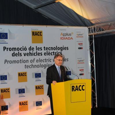 28FEBRERO2013 Presentación del nuevo vehículo eléctrico. Xavier Gibert. Foto: Manel Martin.
