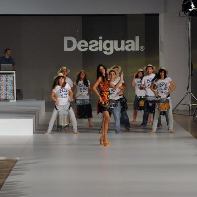 09JULIO2013 Desfile en el 080 Barcelona Fashion de Desigual. Foto: Manel Martin.