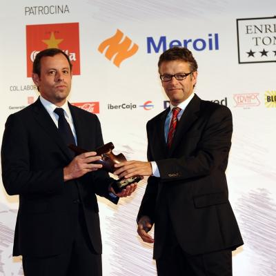 16DICIEMBRE2013 Campeones del 2013. Espiritu Deportivo, Tito Vilanova, recoge el premio Sandro Rosell. Foto: Manel Martin.