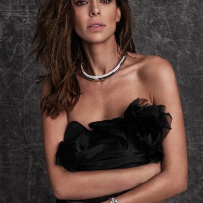 20NOVIEMBRE2014 Eva González portada con cristales Swarovski de ELLE.