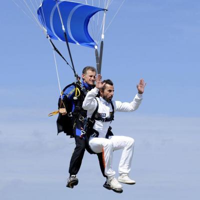 16SEPTIEMBRE2013 Santi Millán se tiró en paracaídas en el Skydive Empuriabrava. Foto: Zoopa.