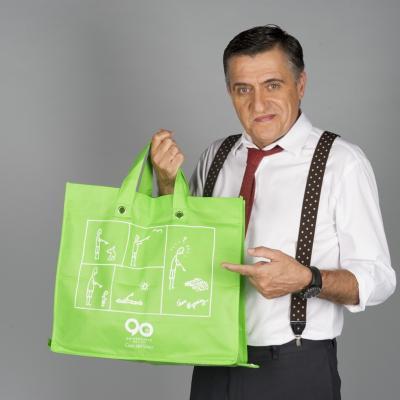 22OCTUBRE2013 Julia Otero y Wyoming diseñan bolsas solidarias a beneficio de los niños hospitalizados. Foto: Atresmedia.