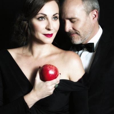 """12SEPTIEMBRE2013 Ana Millán y Fernando Guillén Cuervo, en una escena de la obra """"El diario de Adán y Eva"""". Foto: Focus."""