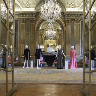 03ABRIL2014 Exposición Made in Spain en la Embajada de España en Paris.  Amaya Arzuaga y Teresa Helbig.