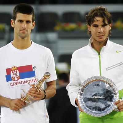 08MAYO2011 Djokovic y Nadal con sus trofeos, de ganador y finalista en el masters 1000 de Madrid. Foto: TenisWeb.