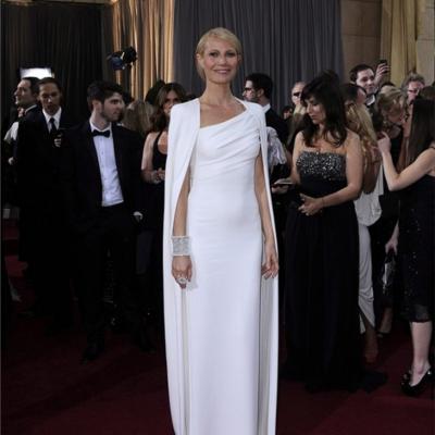 26FEBRERO2012 Alfombra roja de los Oscars de Hollywood 2012. Foto: Agencia. Gwyneth Paltrow.
