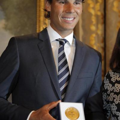 23MAYO2015La Fundación Rafael Nadal celebró en París su primera Gala Internacional.  Condecoración.