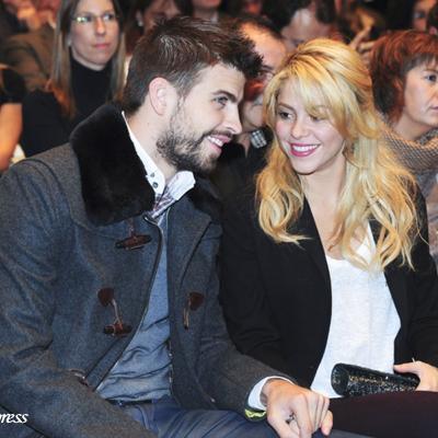 17NOVIEMBRE2011 Presentación del libro de Joan Piqué, con la presencia de su hijo Gerard y Shakira. Foto: Agencia.
