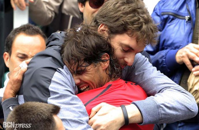 El abrazo de Rafa y Pau