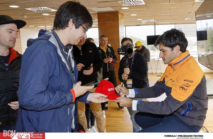 Visita solidaria con Carlos Sainz al Circuit