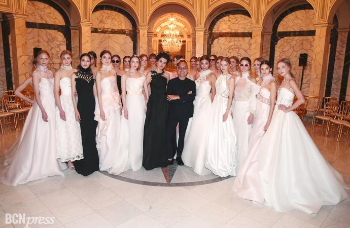 Ángel Sánchez presenta su colección Rose Mist en la Barcelona Bridal Night