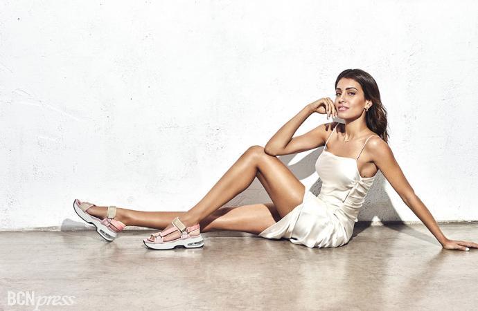 La marca Xti, elige a Hiba Abouk como imagen de la campaña veraniega 2021