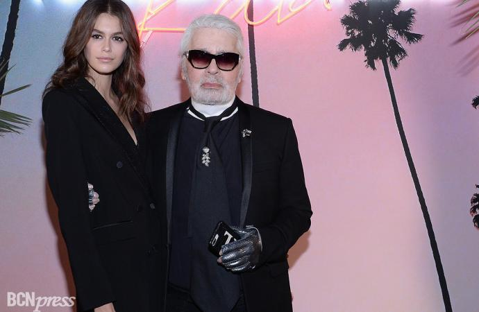Karl Lagerfeld y Kaia Gerber celebran el lanzamiento de su colección