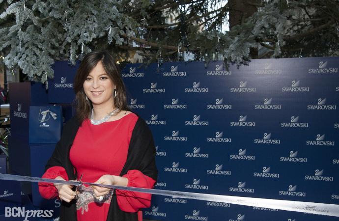 Chábeli Iglesias amadrina el encendido del árbol de Navidad de Swarovski