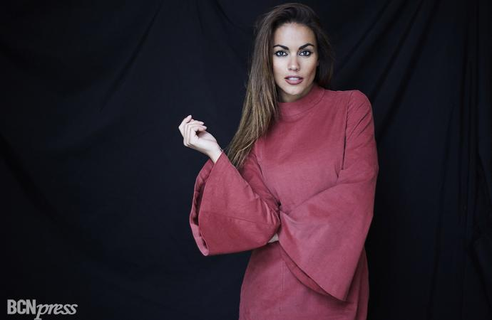 Lara Álvarez crea la firma de ropa BLUE PALM